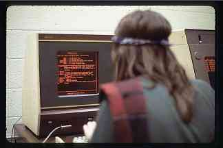 An image that shows a student using PLATO, a first-generation live chat software in 1973.
